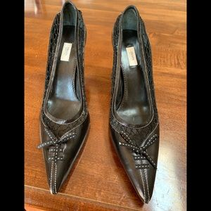 Prada black leather Netted pointy pumps
